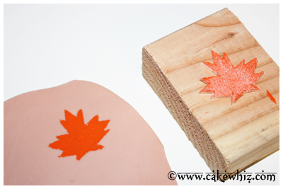 fall themed cake with leaf stamps 10