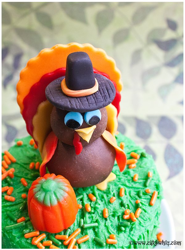 how to make a turkey topper for cakes and cupcakes 4