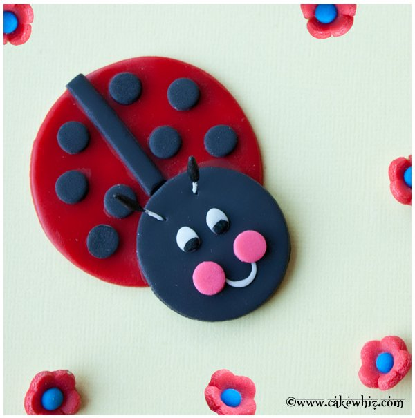 how to make ladybug cupcakes 3