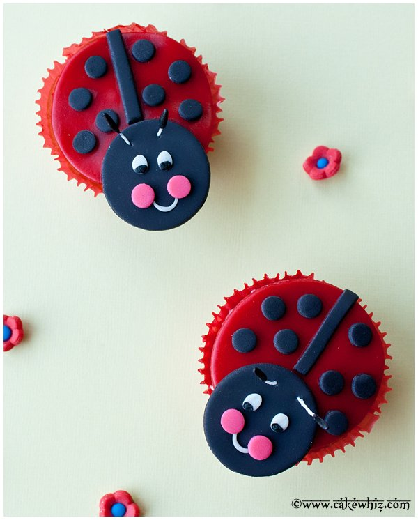 how to make ladybug cupcakes 1