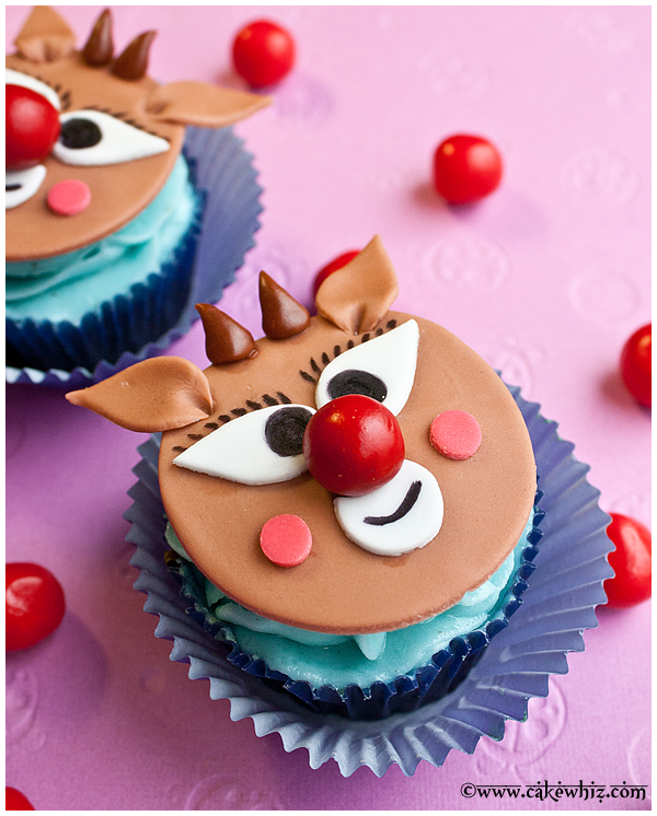 how to make rudolph cupcakes 3
