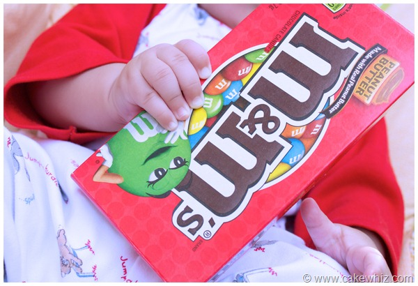 baby and candy box 3