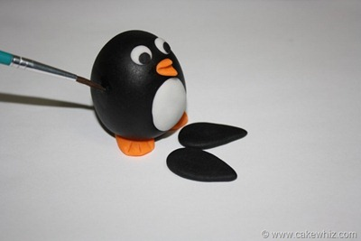 how to make a fondant penguin 19