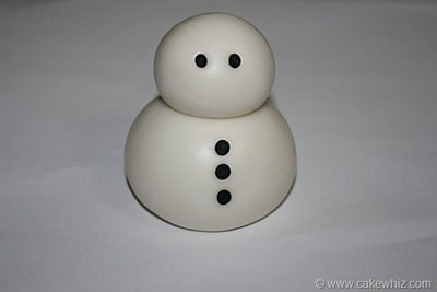 how to make a fondant snowman 6