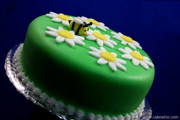 how to make fondant daisies and bumblebee for a cake 1