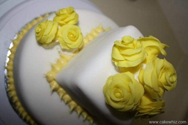 yellow rose cake 1