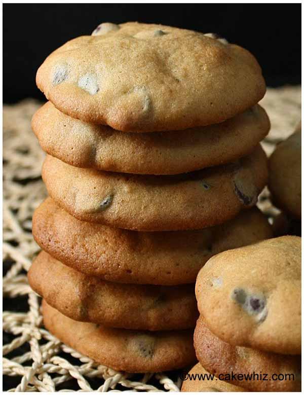 banana cashew chocolate chip cookies