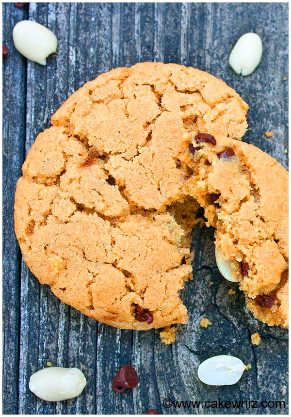 Best Easy Peanut Butter Chocolate Chip Cookies 2