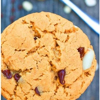 Easy Soft and Chewy Peanut Butter and Chocolate Chip Cookies Recipe