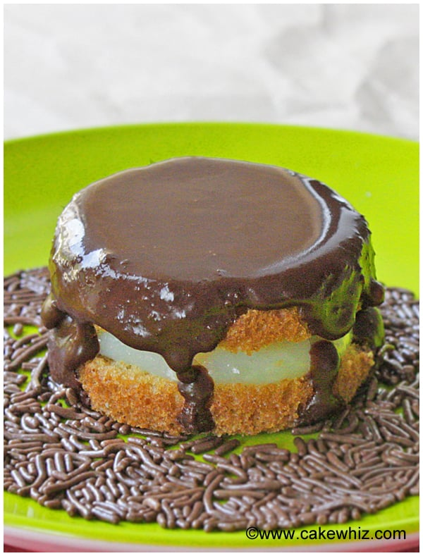 mini boston cream pies 07