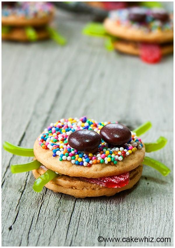 easy halloween spider cookies 8