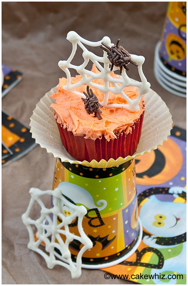 halloween spider web cupcakes 2
