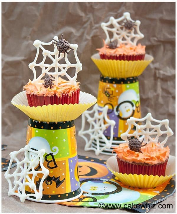 Easy Chocolate Spider Web Cupcakes Tutorial