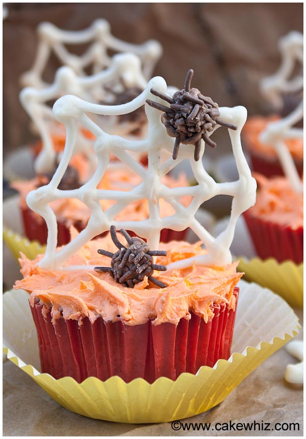 halloween spider web cupcakes 4
