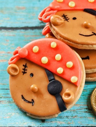 Easy Pirate Cookies Tutorial with Fondant