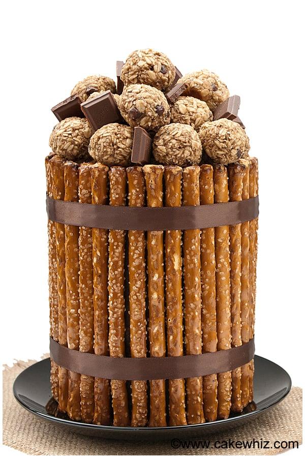 Pretzel cake
