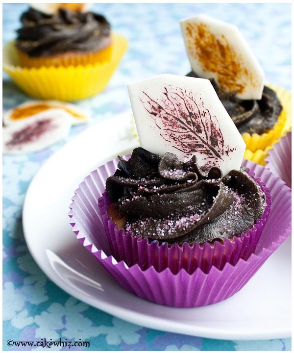 Leaf print cupcakes