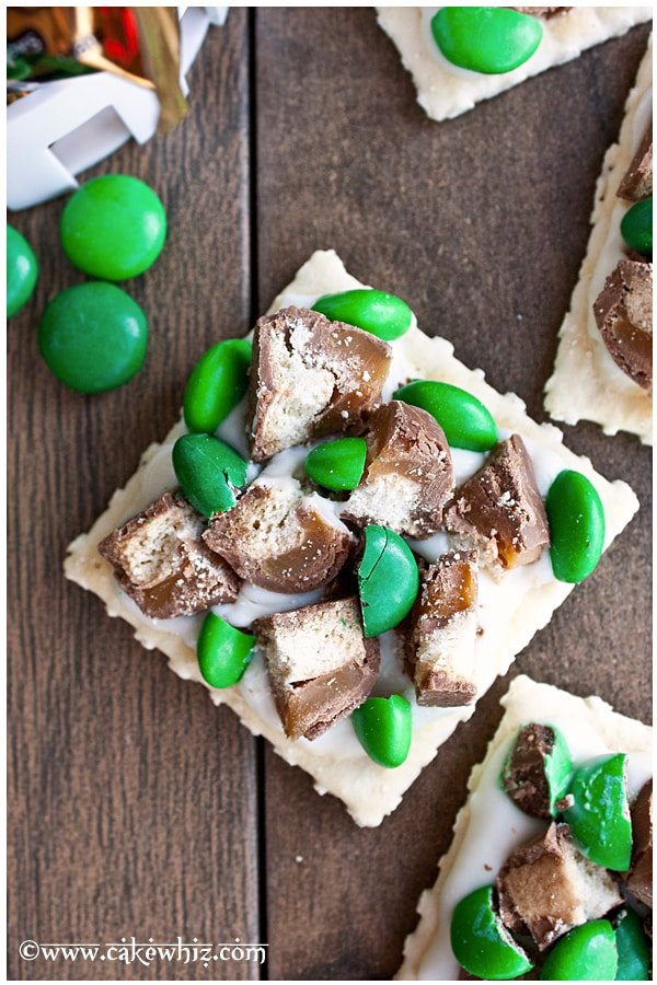 St.Patrick's Day candy & cracker bites