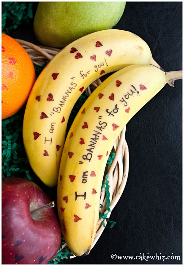 Valentines Day Fruits With Messages CakeWhiz