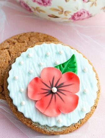 Easy Flower Cookies On Pink Background