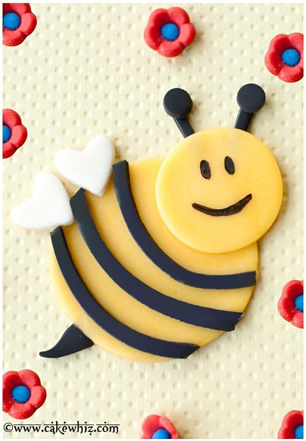 Fondant Bumblebee Cupcakes