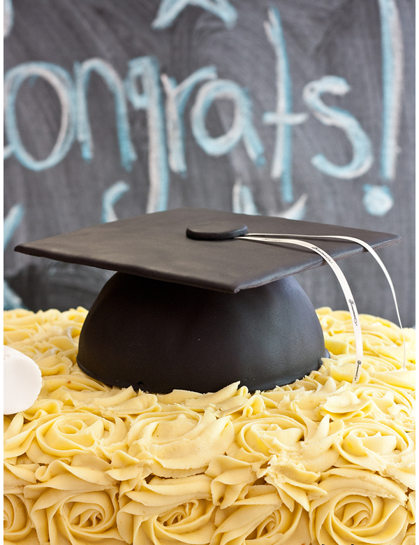 how to make a graduation hat cake