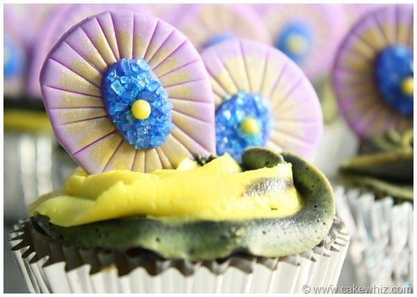 Peacock Cupcakes with Fondant Peacock Feathers