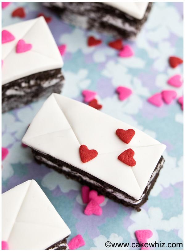 mini love letter cakes 2
