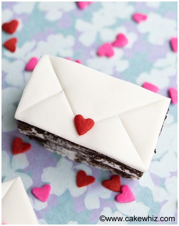 mini love letter cakes 3