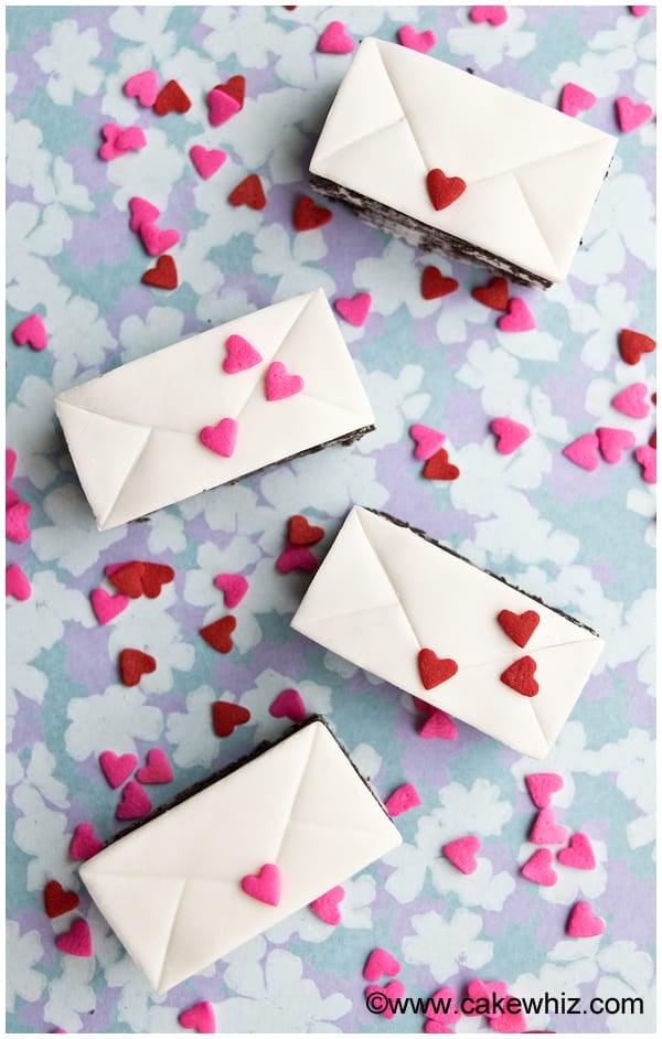 mini love letter cakes 7