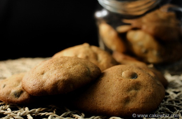 banana cashew and chocolate chips cookies