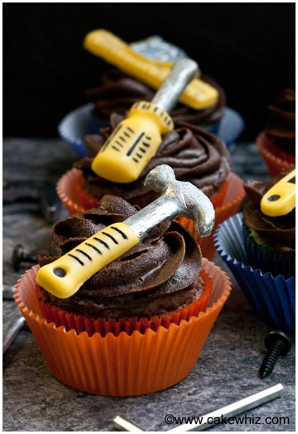 father's day handyman tools cupcakes 1