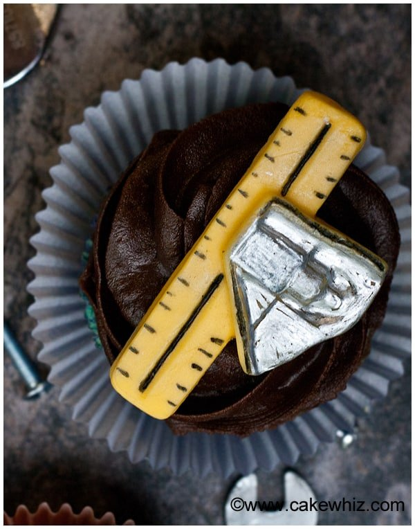 father's day handyman tools cupcakes 6