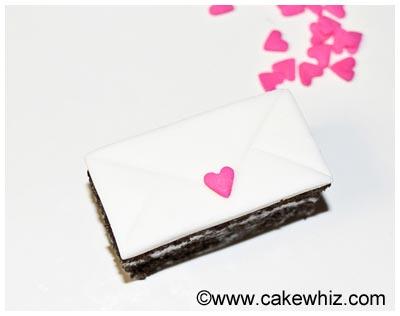 mini love letter cakes 10