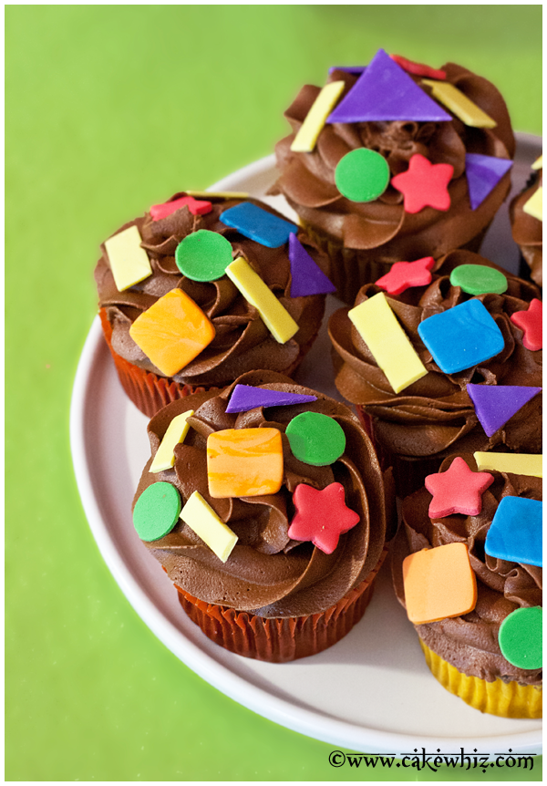 colorful shapes cupcakes