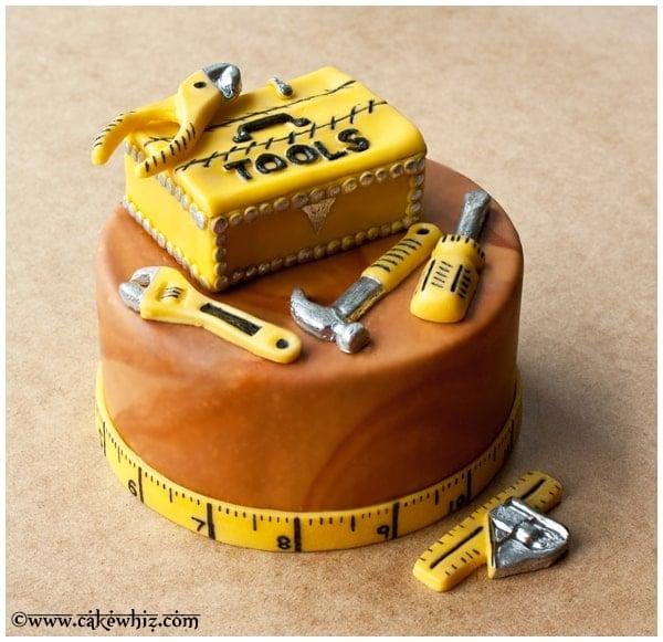 how to make a tool box cake