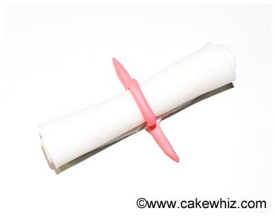 how to make graduation diploma cupcakes 24