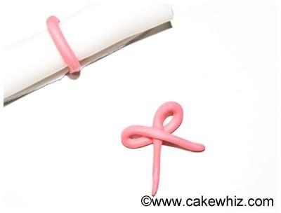 how to make graduation diploma cupcakes 26