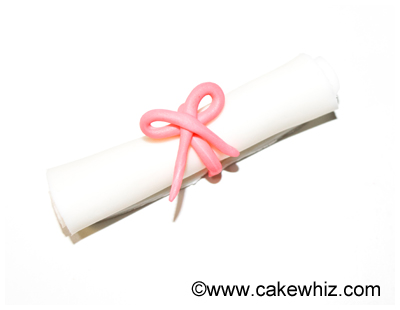 how to make graduation diploma cupcakes 27