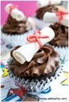 how to make graduation diploma cupcakes 5
