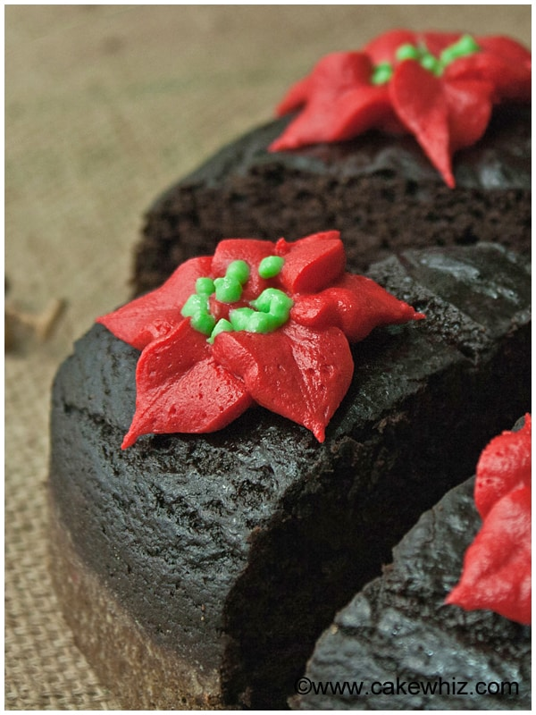 fat free chocolate cake with poinsettias 05