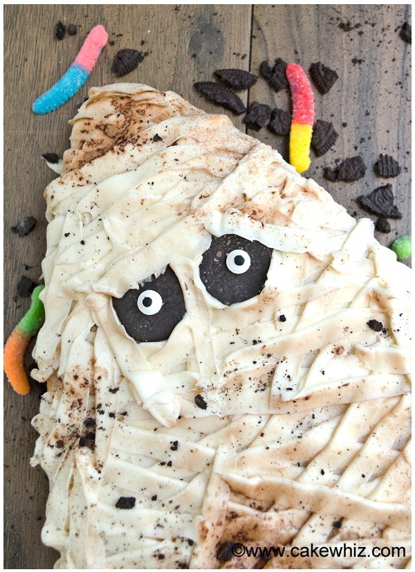 halloween mummy cake tutorial 2