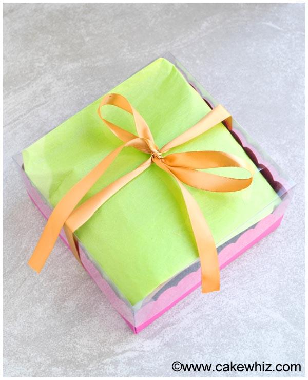 homemade gift box for chocolate peanut butter cracker bark 9