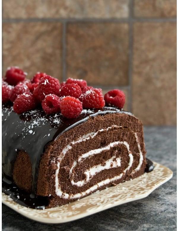 mocha cake roll with raspberries 1
