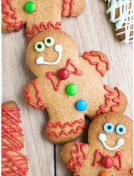 Easy Gingerbread Cookies Recipe (Gingerbread Man Cookies)