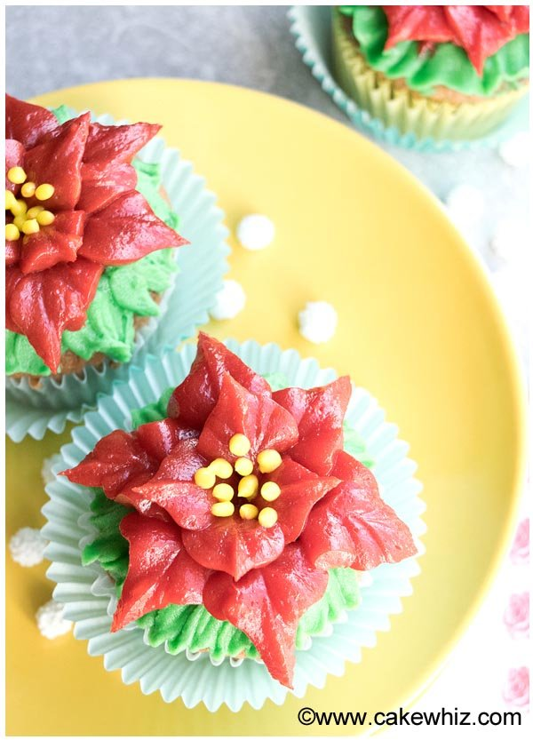 easy poinsettia cupcakes 2