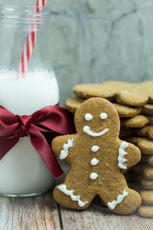 Gluten- free gingerbread men cookies