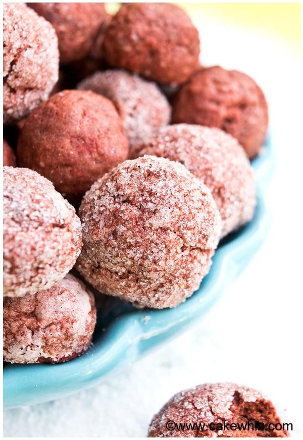 sugar free red velvet crinkle cookies 1