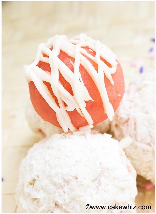 pink velvet cake truffles 4