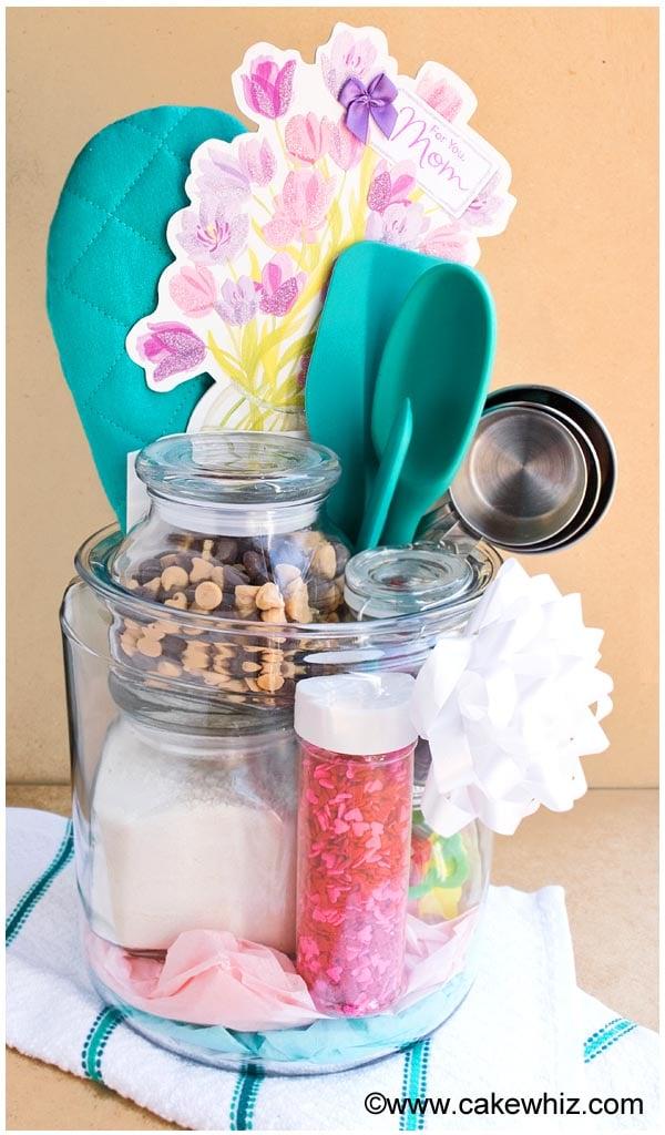 homemade baking kit in a jar 1